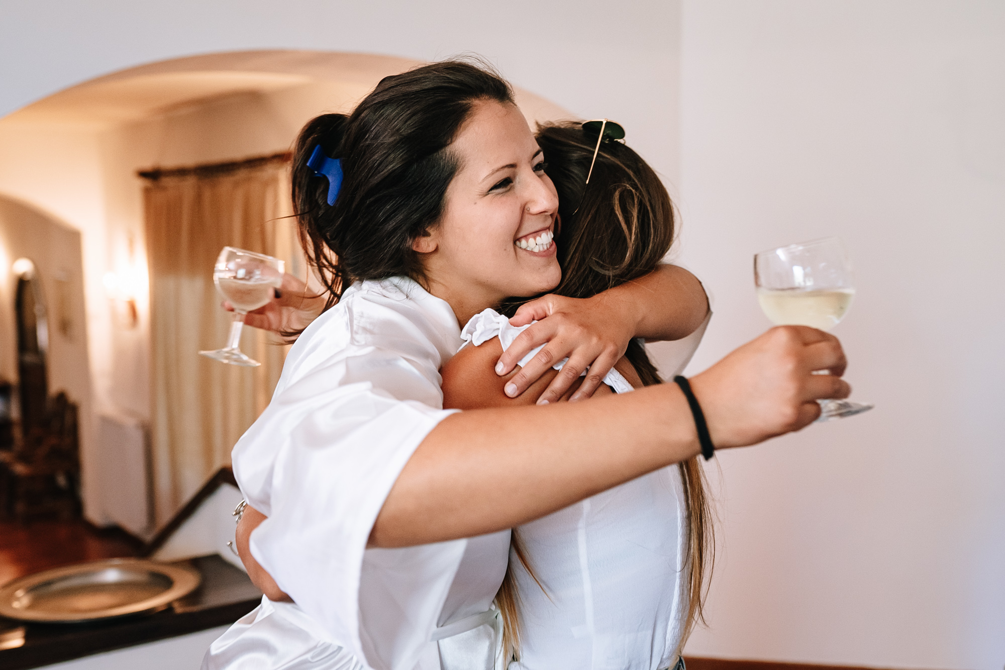 abbracci ed emozioni sposa